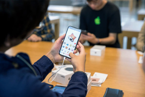 iphonex_launch_tokyo_animoji_20171102