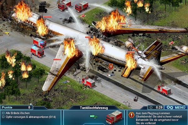 Löscharbeiten nach einem Flugzeugabsturz. im Wrack sind noch Menschen eingeschlossen. Grafik: Quadriga Games