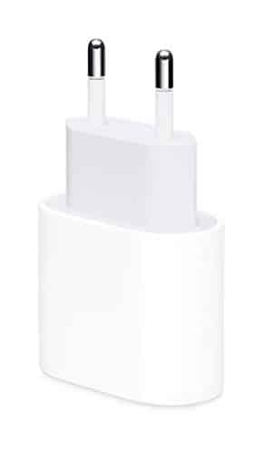 Apple 18W USB-C Power Adapter und Apple Lightning auf USB-C Kabel