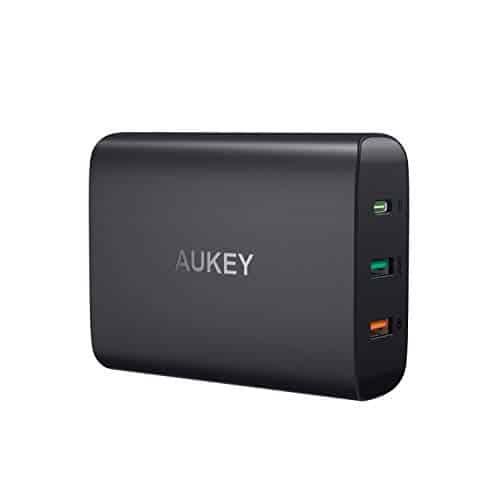 AUKEY USB C Ladegerät mit 45W Power Delivery 3.0, 3-Port USB Netzteil mit Quick Charge 3.0 für MacBook/Air, iPad Pro, iPhone XS/XS Max/XR, Samsung Galaxy S9 / S9+ / Note 9 usw.