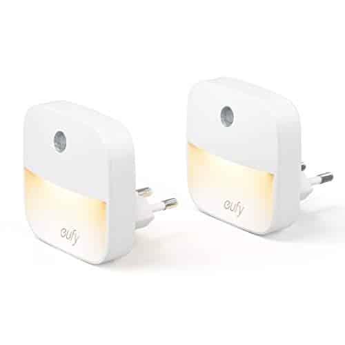 eufy Lumi 2 Pack LED Nachtlicht Plug-In, Warmes weißes LED Licht, Nachtbeleuchtung mit hochmodernen Sensoren, Energieeffizient, Kompakt, für Schlafzimmer, Bad, Küche, Flur, Treppen
