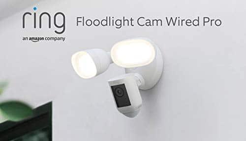 Wir stellen vor: Ring Floodlight Cam Wired Pro von Amazon, Videoaufnahmen in HDR, 3D-Bewegungserfassung, festverdrahtete Installation, Mit 30-tägigem Testzeitraum für Ring Protect | Weiß