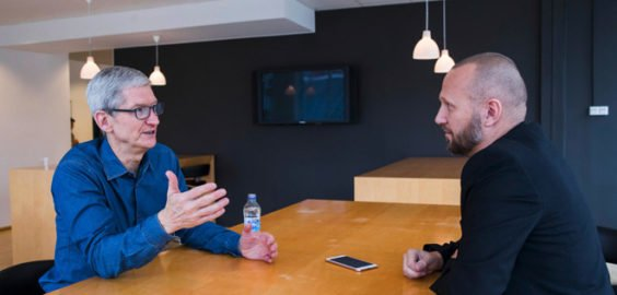 Tim Cook bei einem Interview in Schweden | AppleInsider