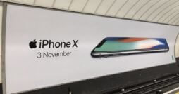 iPhone X Werbeplakat London | MacRumors