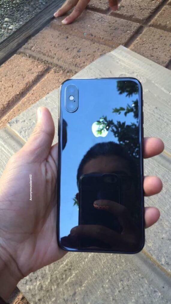 iPhone X zeigt sich in freier Wildbahn | Reddit