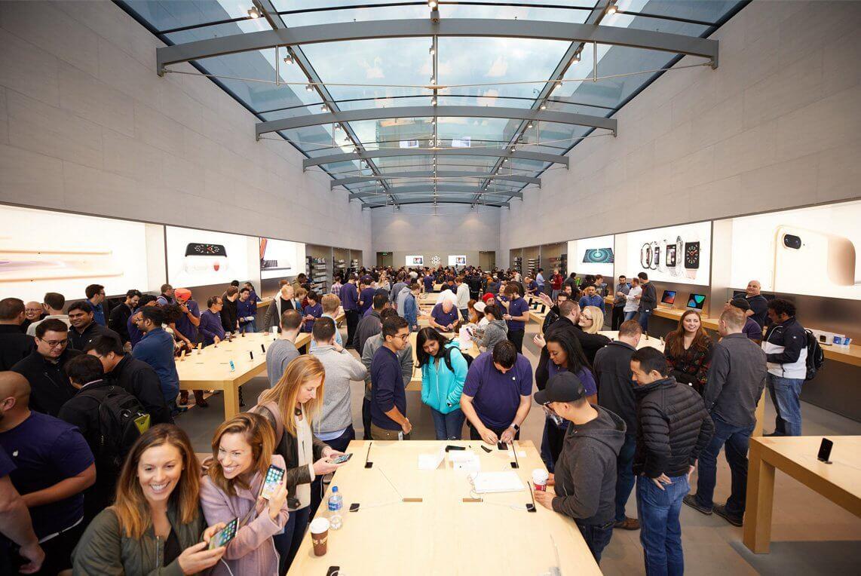 Dutzende weiterer Apple Stores zu: Corona in den USA nimmt wieder Fahrt auf