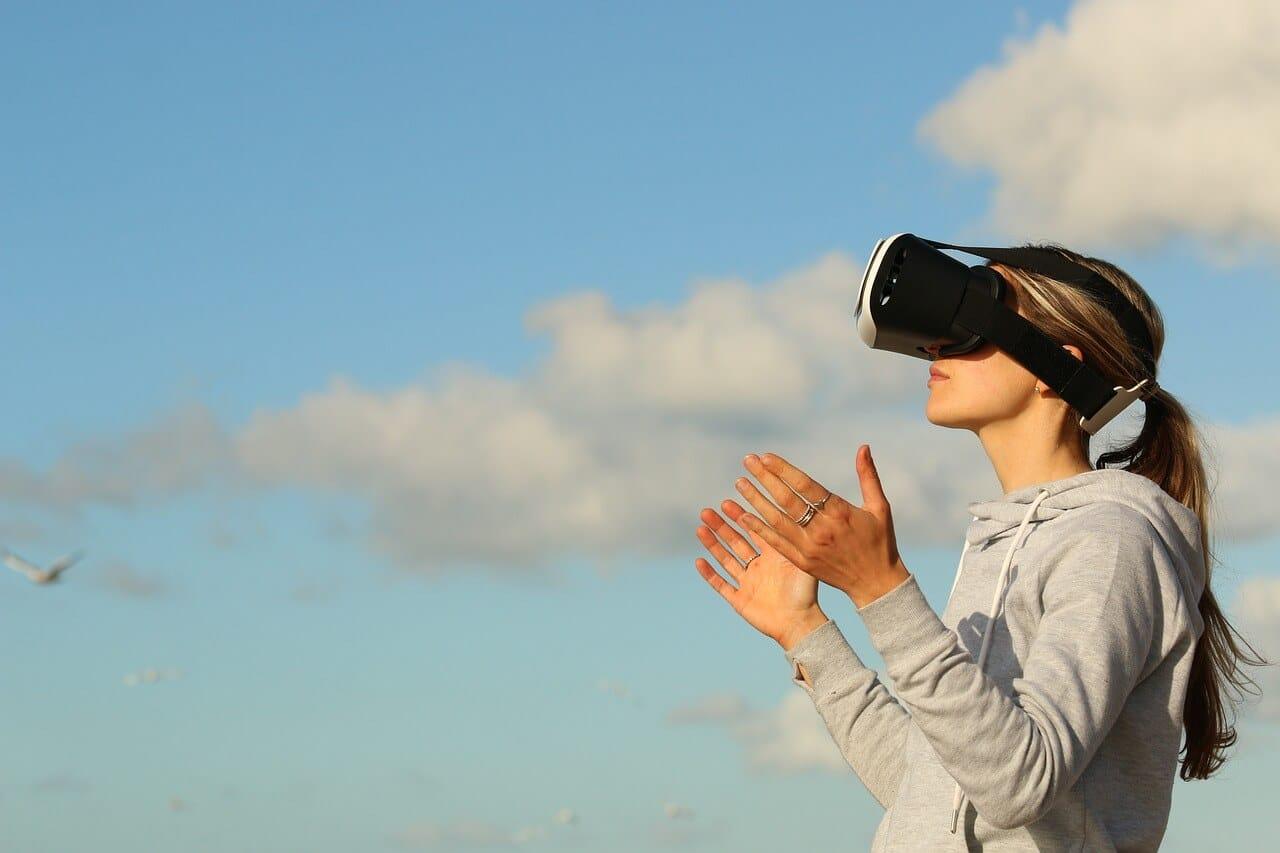 Bloomberg: AR-Brille zum Lesen und Spielen, Apple Watch mit Sleeptracking und ARM-Macs für 2020 geplant