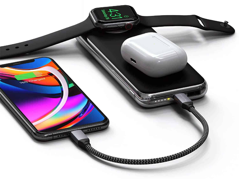 Die Satechi Quatro Wireless lädt mit oder ohne Kabel und hat einen eingebauten Apple-Watch-Charger.