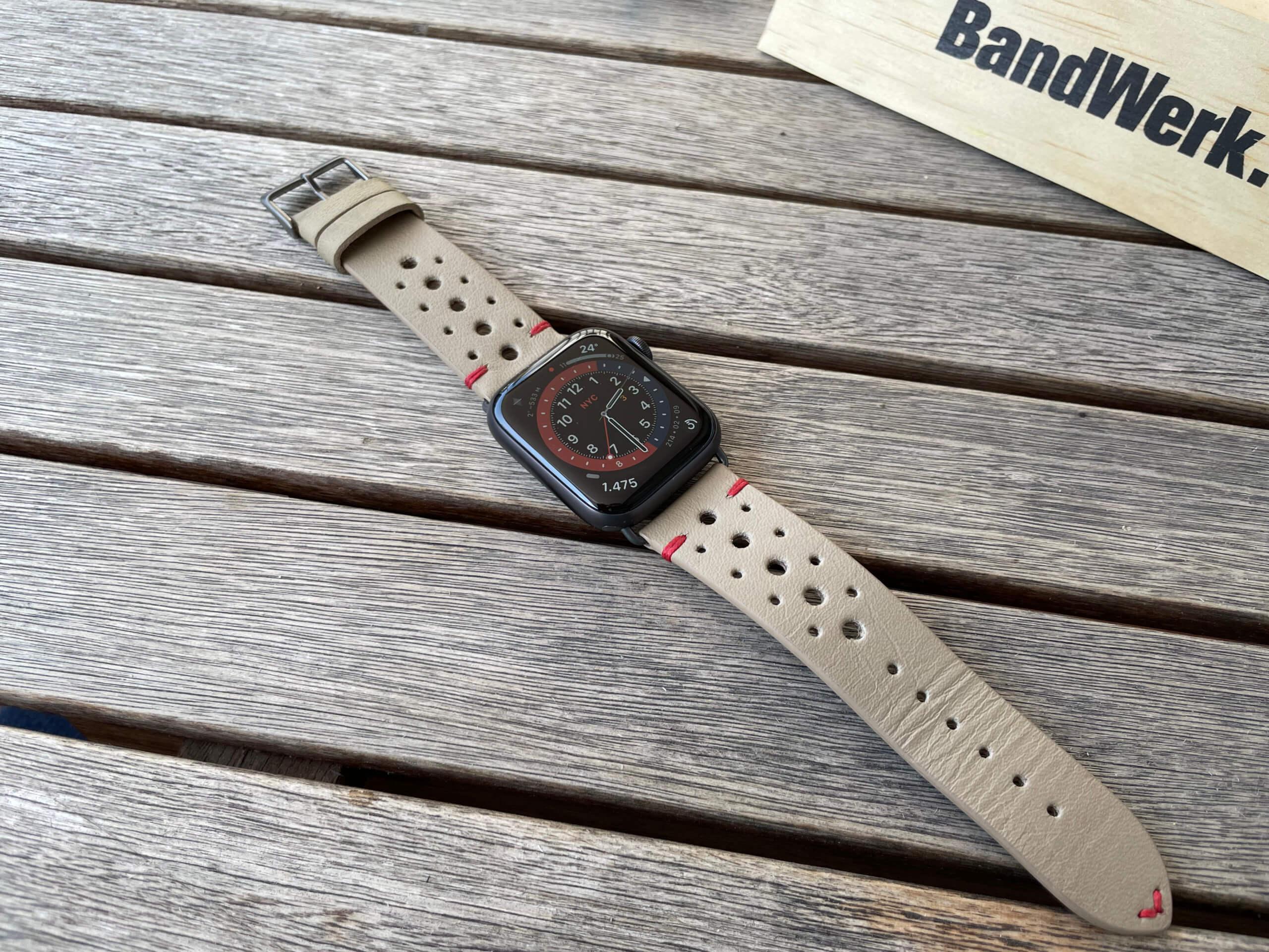 Das Design des Armbands kombiniert Vintage und Sportlichkeit.