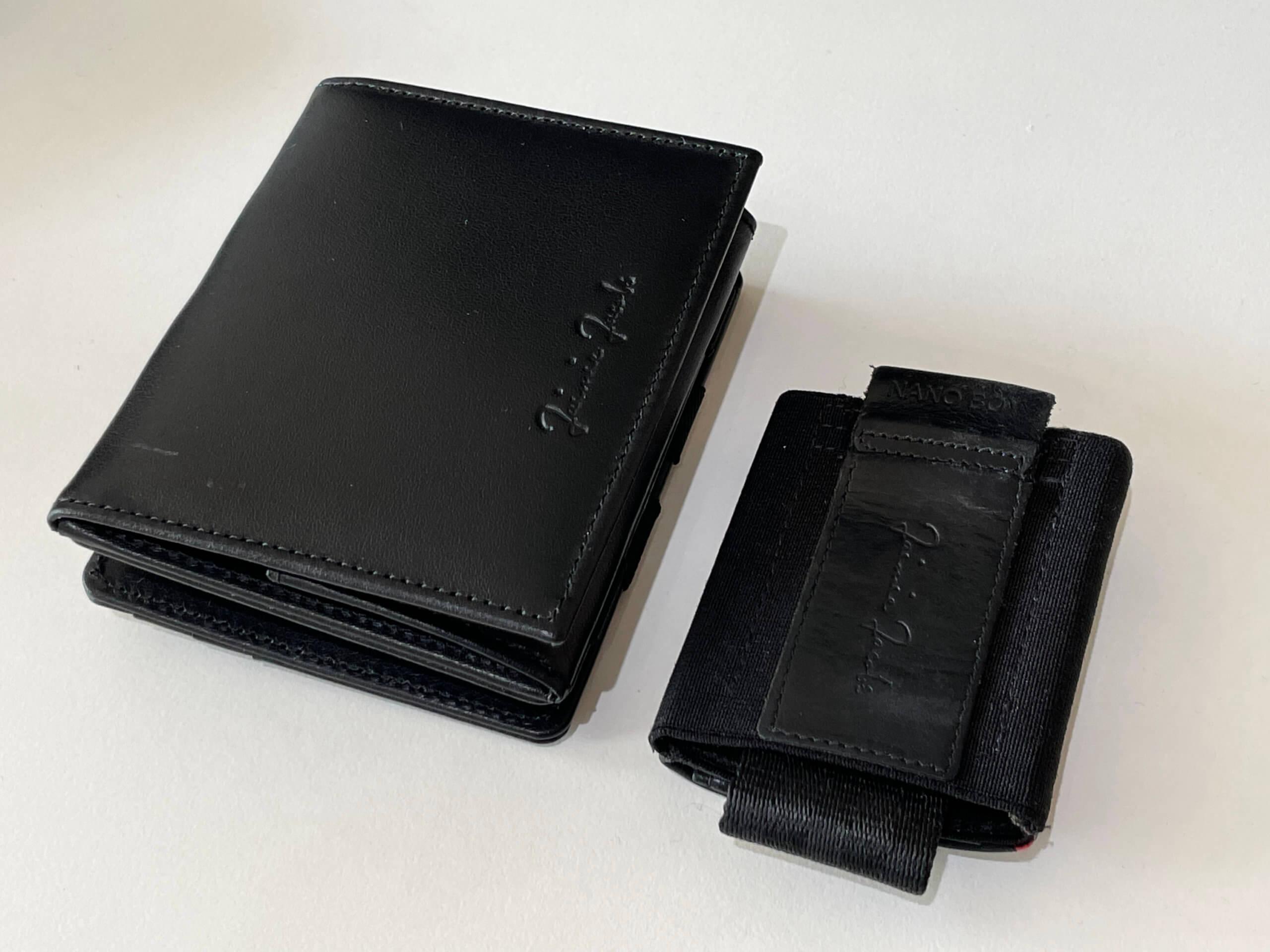 Im Vergleich zum Nano Boy Pocket wirkt der Flap Boy eher ein Geldbeutel in klassischem Format.
